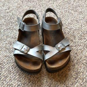 Birkenstock silver strappy ankle strap sandals 5-6
